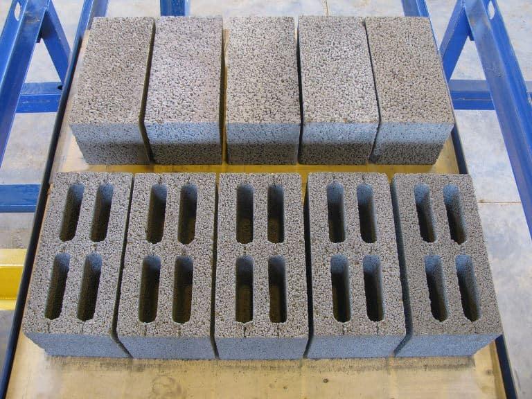 Так же керамзитовые блоки доступны по цене, что делает их весьма привлекательными для застройщиков