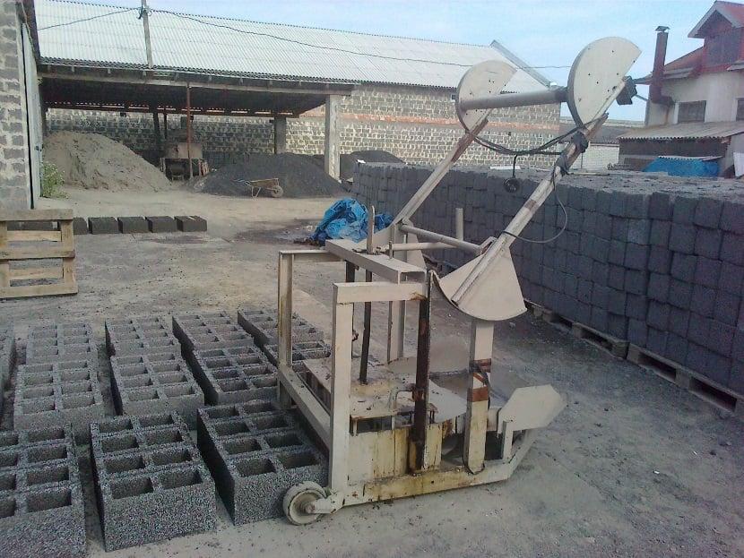 Формы для бетонных блоков своими руками