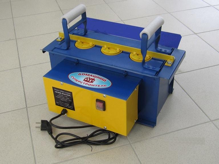 Портативный станок для производства шлакоблоков