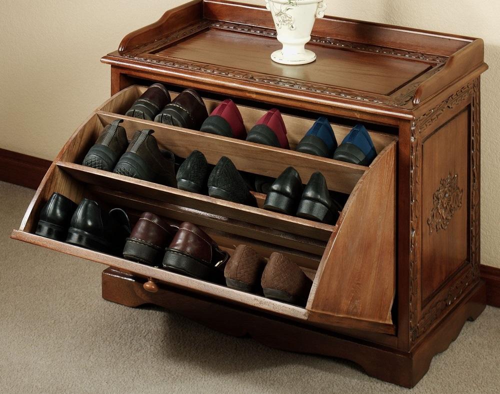 Хранение обуви в малогабаритной прихожей