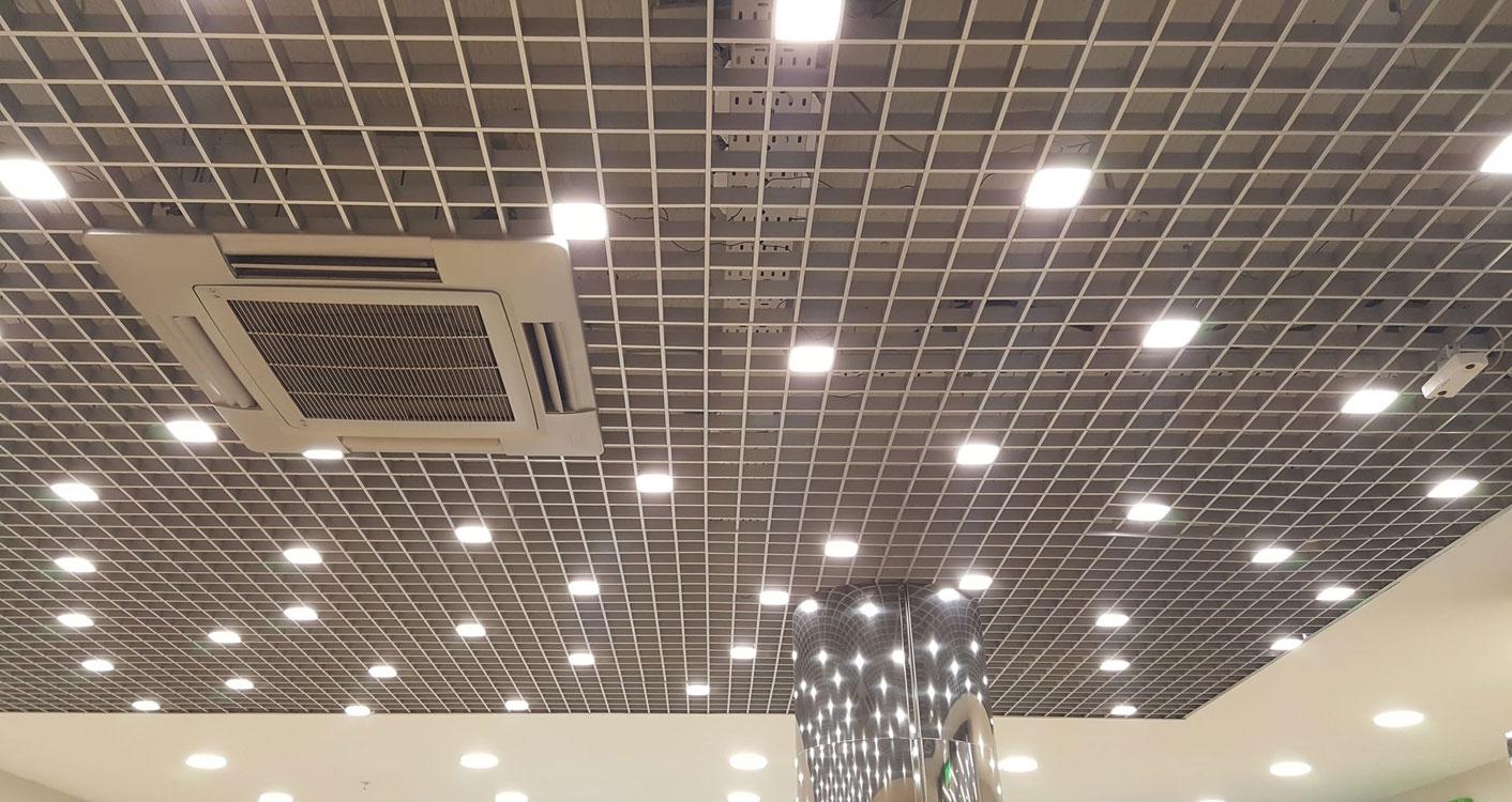 Светильники для потолка «Грильято»: фото и особенности