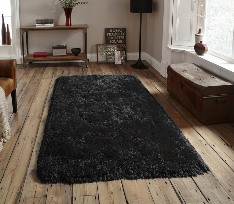 Кусочек уютной тьмы – выбираем идеальный черный ковер для интерьера