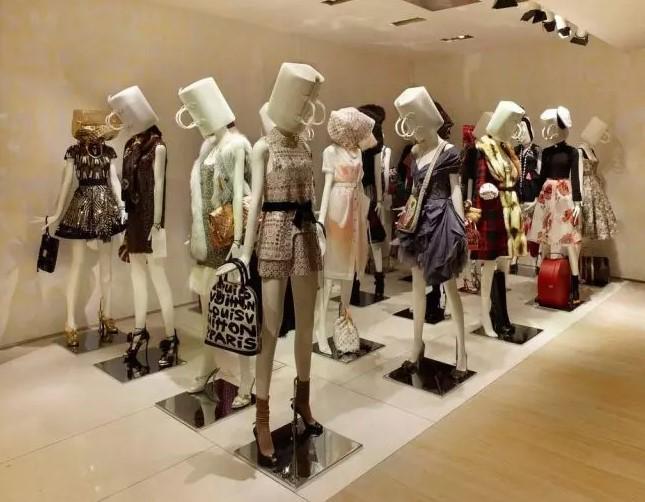 Витрины магазинов: фото, варианты оформления, стили и примеры