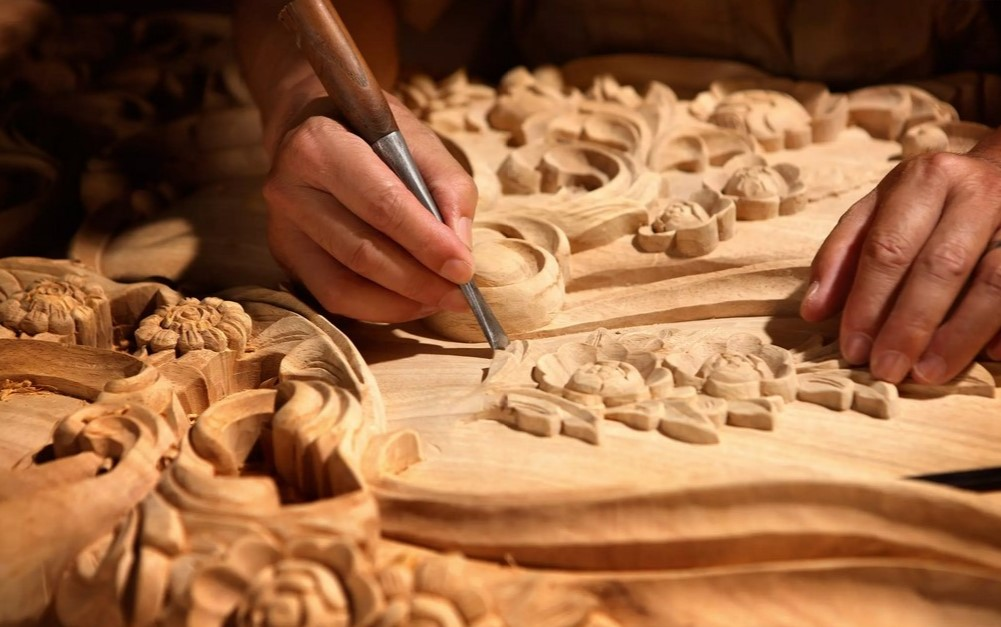 Резьба по дереву: фото, стили, инструменты, дизайн, идеи