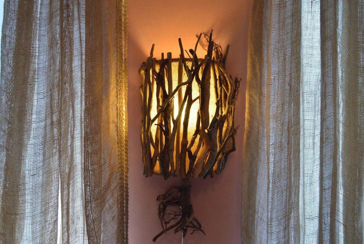 Деревянные светильники в интерьере: выбираем освещение для максимального уюта
