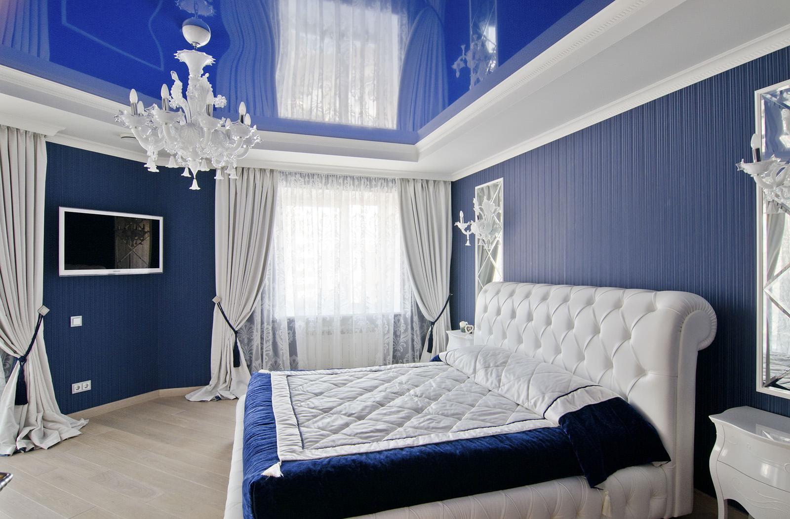 Натяжные потолки для спальни: разновидности, и как выбрать