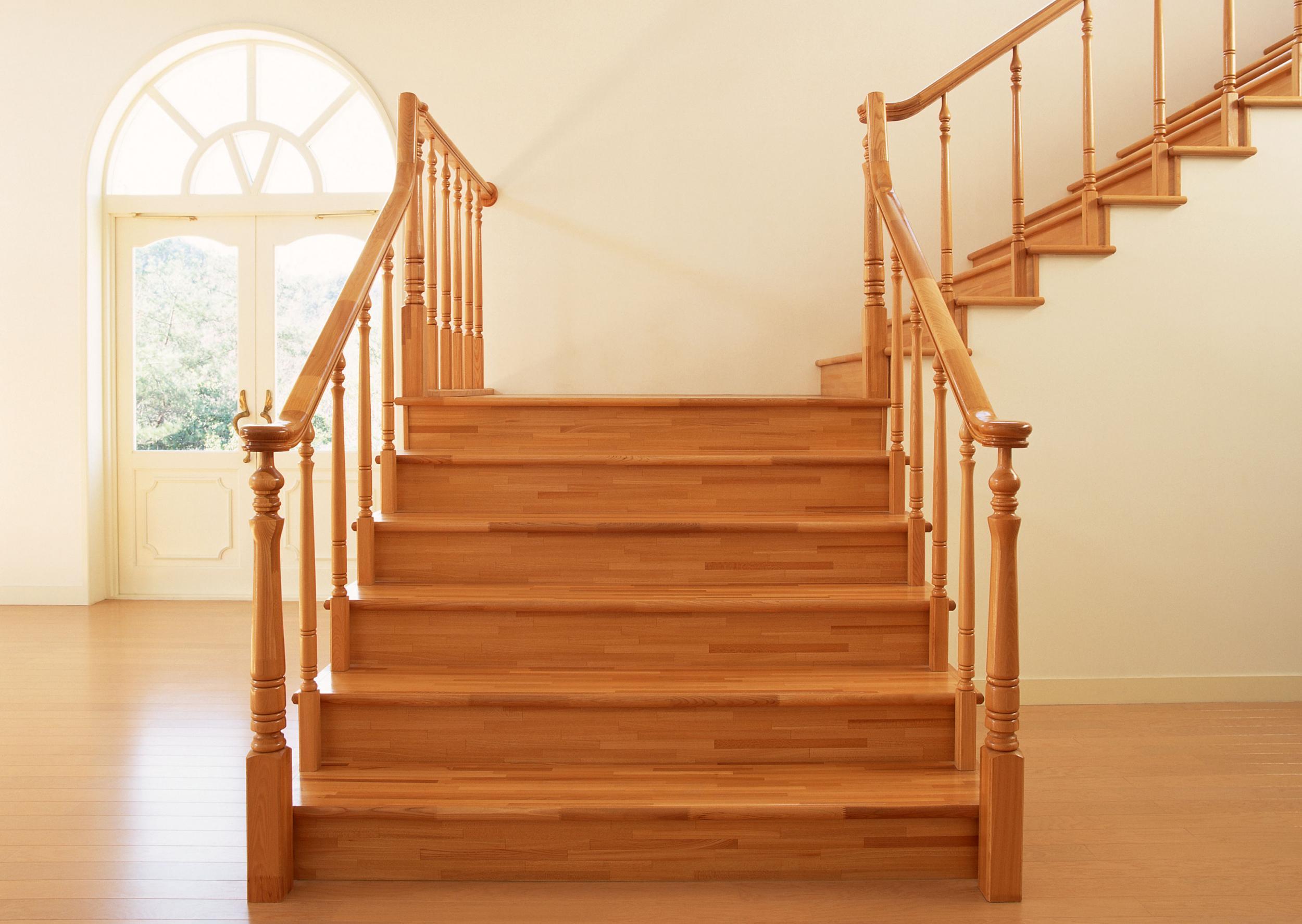 Деревянные лестницы в частном доме: фото, проекты, особенности