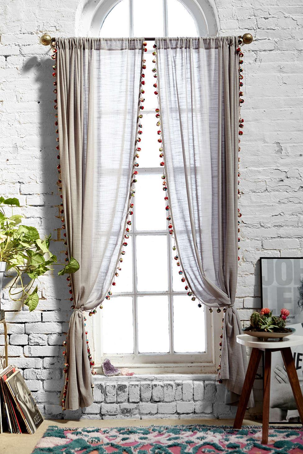 Льняные шторы: фото, разновидности, применение в интерьере