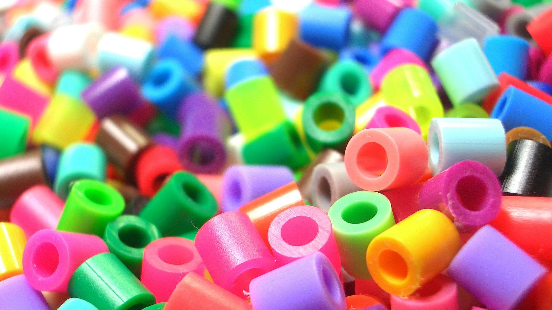 Разлагаемый пластик: фото, особенности материала, польза