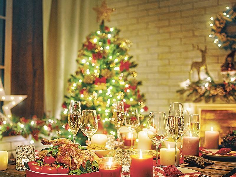 Новогодний стол: фото, украшение, композиция, советы