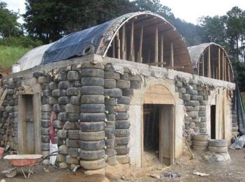 Дом из старых шин: фото, проект, строительство, особенности