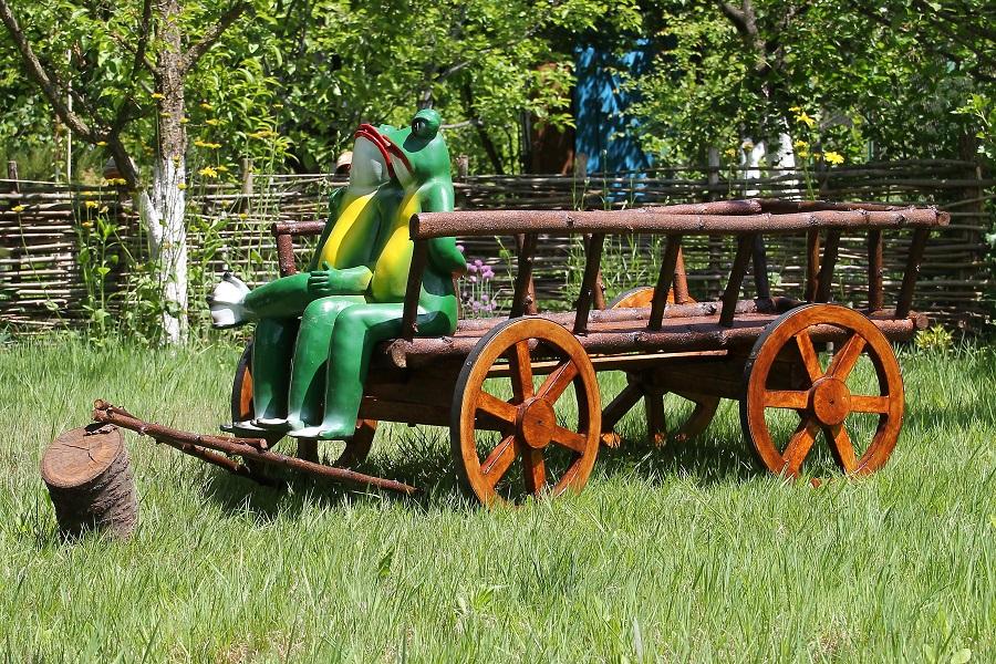 Деревенские украшения для сада: фото, внешний вид, как сделать